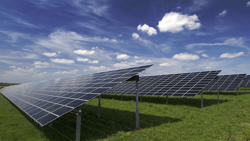 Mit Perimeterschutz für Sicherheit in Solarparks sorgen